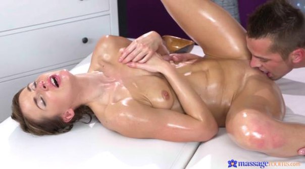 MassageRooms – Paola Mike – In Good Hands