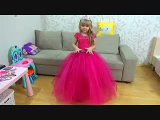 Маргарита и Лера НЕ ХОТЯТ делиться ПЛАТЬЯМИ волшебная фея ЗОЛУШКА Cinderella Funny kids story