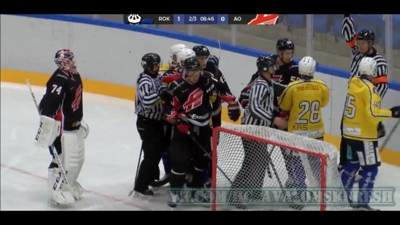 Олег Шилин в воротах ,и уже нарушение правил от Roki
