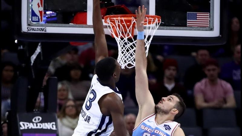 Jaren Jackson Jr Postarizes Bjelica | Grizzlies @ Kings - 12/21/18