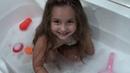 АНДЖЕЛИНА ОТКРЫЛА КУПАЛЬНЫЙ СЕЗОН В ВАННЕ 1 часть ANJELINA PLAYS IN THE BATH WITH HER TOYS 1 part