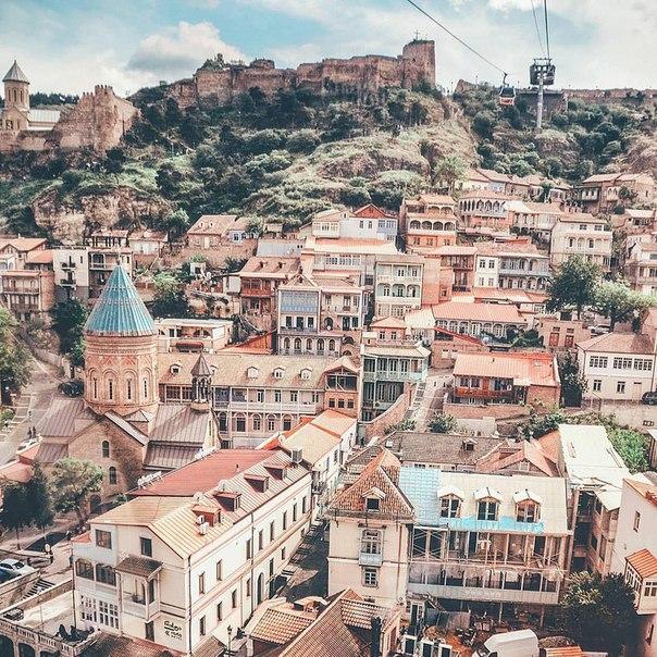 Петербург: ПРЯМЫЕ рейсы в Грузию (Тбилиси) за 9400 рублей туда-обратно