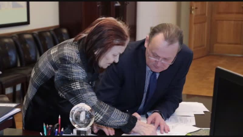 Помощь инвалидам, земельные споры, работа УК - Геннадий Орлов провел прием граждан