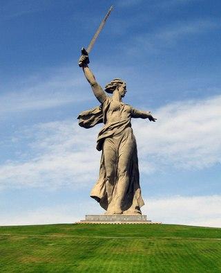 Родина-мать зовёт, скульптор Евгений Вучетич