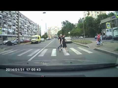 Дтп с мото 17 06 2018 перекресток ул Нахимова и ул Беринга