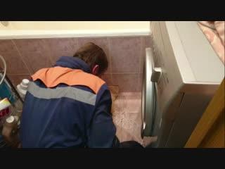 Больной котик под ванной. ул.Хасанская.