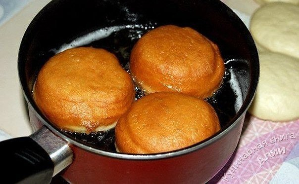 Самые вкусные пончики Ингредиенты: Тесто: Молоко - 500