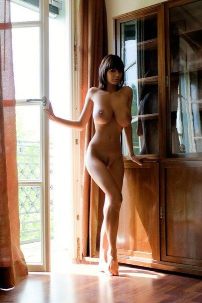 Фото голой красавицы