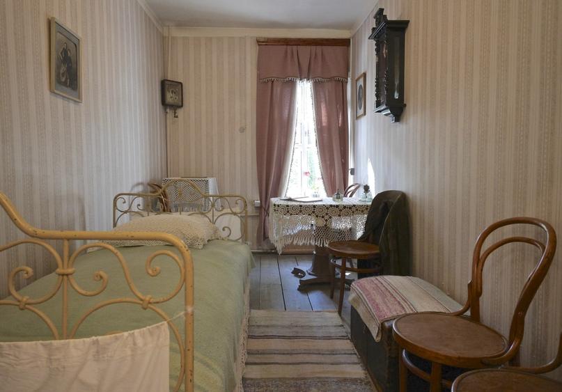 ✨Недавно в музее завершилась реставрация железной кованой кровати, которую вы мо...