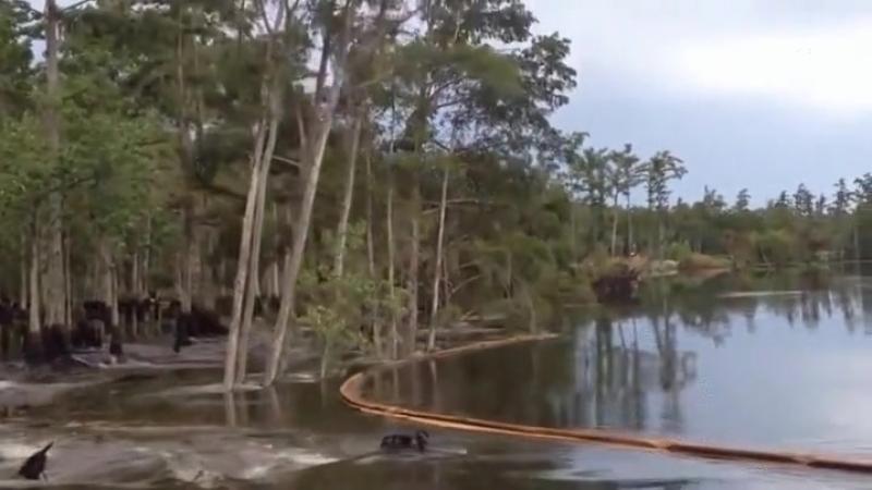 Провал в озере.