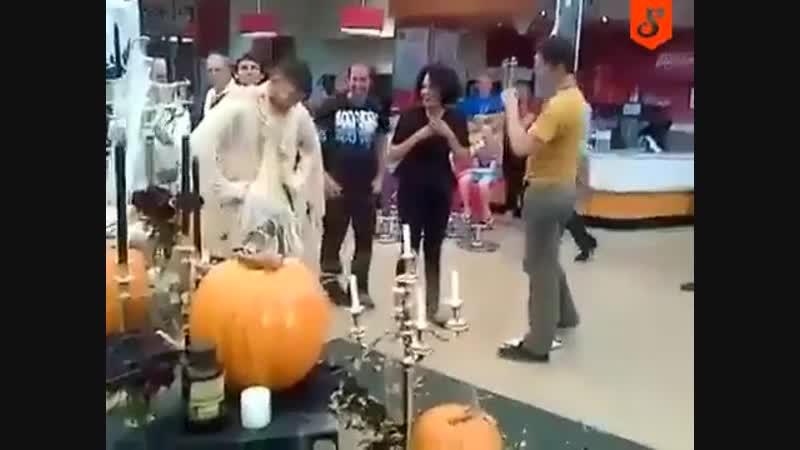 Кто сейчас напуган?