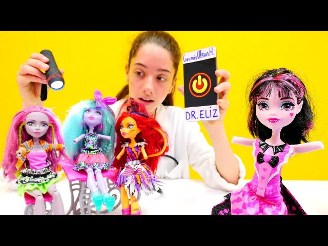 MonsterhHigh okulu Türkçe izle. Oyuncak bebeklerin kolları kopuyor! Doktor ve kız oyunları