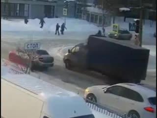 Просто Слов НЕТ... Где-то в России. Ну как Будь Человеком...