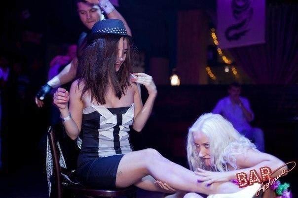 Жопастые голые девушки фото