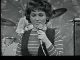 RIKA ZARAÏ - Hasela Ha'adom (live in France, 1972)