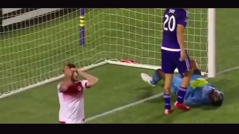 I_migliori_salvataggi_da_difensori_a_calcio
