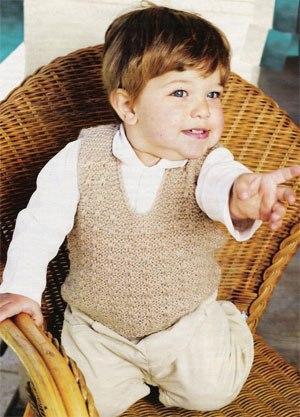 Жилетка для мальчика спицами (4 фото)