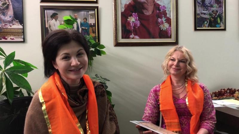 Студенты Вайшнавской Академии Дамодара Рати д.д. и Индира Мадхави д.д. делятся своими впечатлениями о курсах во Вриндаване