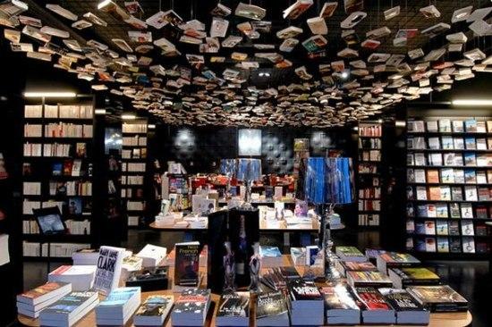 10 самых удивительных книжных магазинов мира