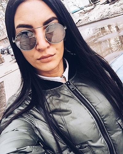 Оля Субботина