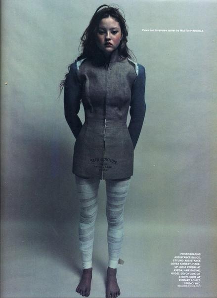 Подборка фотографий известной фотомодели Девон Аоки, 1996 год.