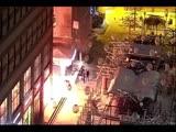 Трое неизвестных подожгли элитный магазин в центре Днепра.