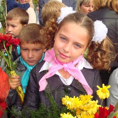 Женечка Чугунова, 7 марта 1996, Москва, id190374791