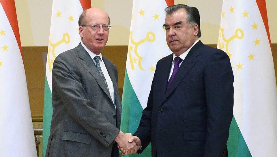 Президент Таджикистана принял первого вице-президента ЕБРР