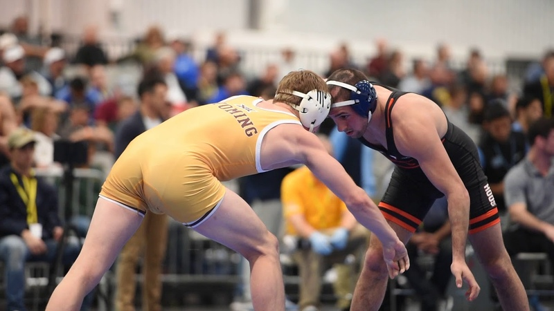 141lbs Sam Krivus (Virginia) dec Sam Turner (Wyoming)