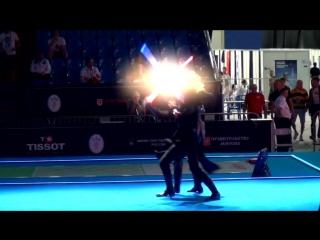 Зрелищный бой на световых мечах (6 sec)