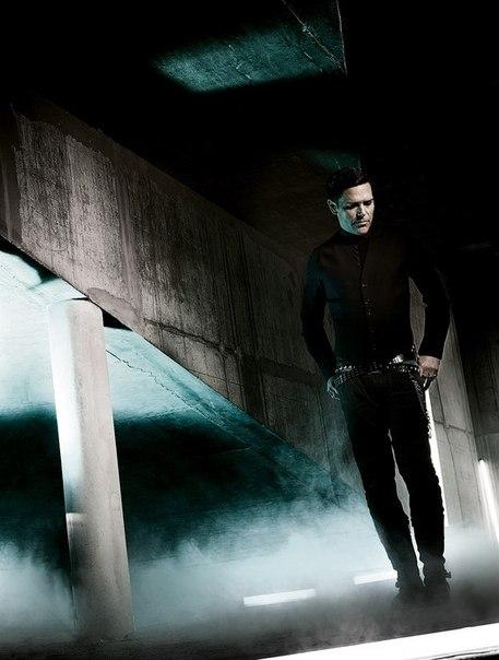 Silent so Long, es el nombre del segundo álbum de EMIGRATE. 0RtxGRWf5IY