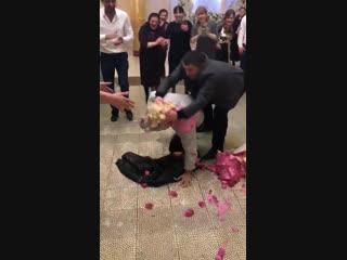 Вот как проходят свадьба в Дагестане [Нетипичная Махачкала]