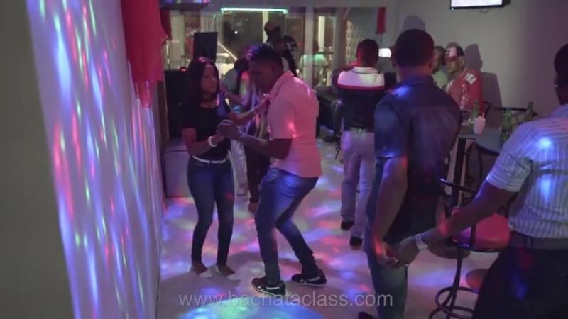 Baile de Bachata Guerra RD Cancion Robin Carino