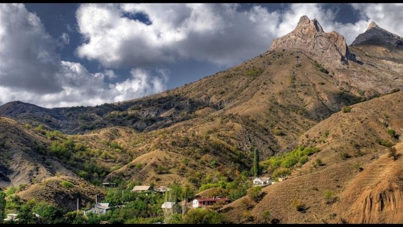 Курача-Кая и Декы-Курача – влюблённые скалы