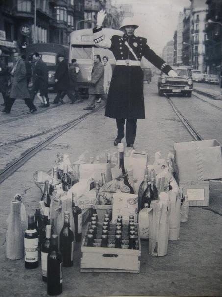 Рождественские подарки для регулировщика, Барселона, 1970 год.