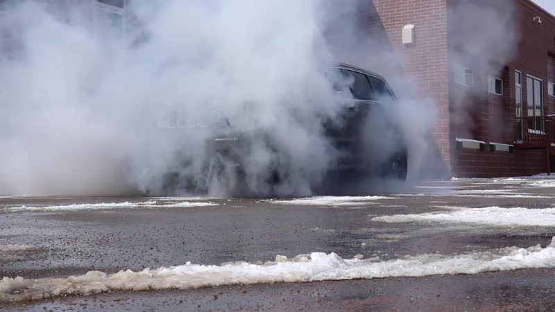 Burnout on Jeep SRT. How do this!