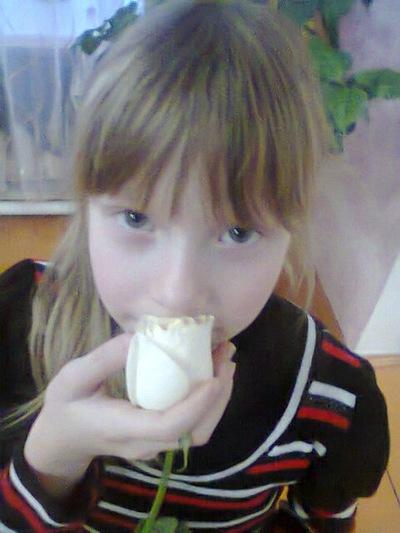 Алинка Ломаева