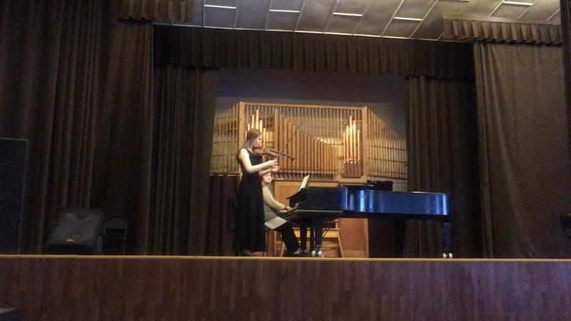 К. Сен-Санс, концерт для скрипки 3 h moll(2 часть)-Александра Храмова, 2 курс
