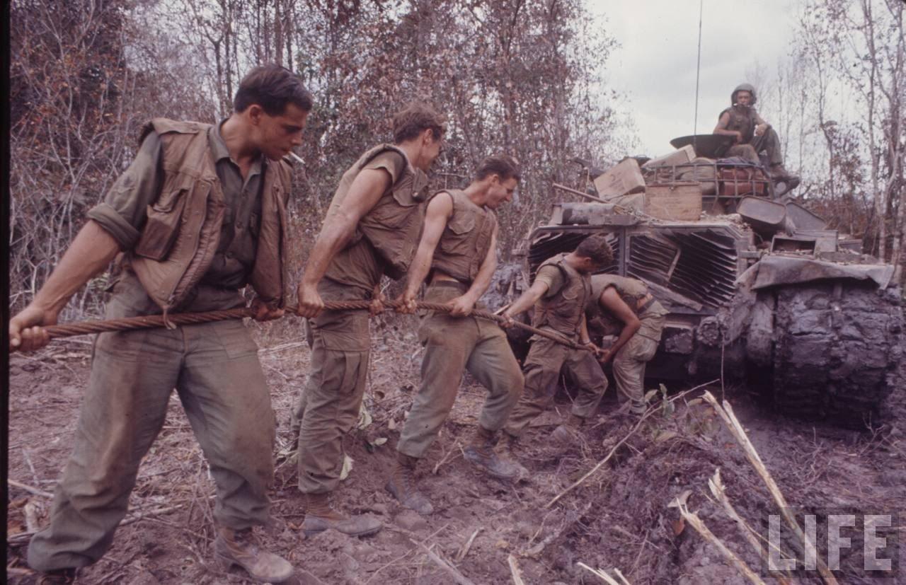 guerre du vietnam - Page 2 QCwbd1y8GkA