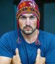 Здравствуйте, меня зовут Сергей и я сплю в шапке из альпаки.