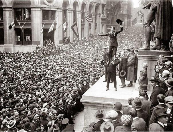 Чарли Чаплин на Уолл-стрит