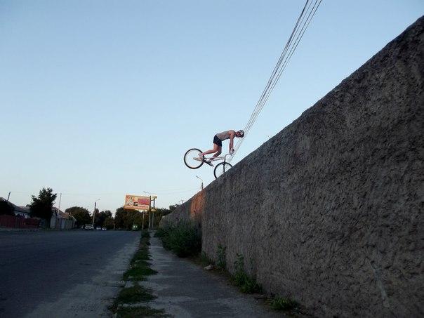 прыжки на переднем колесе