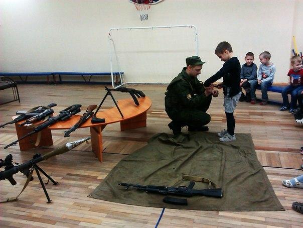Ученикам воскресной школы раздали оружие и бронежилеты - Страница 3 JXvgQ-z-ka8