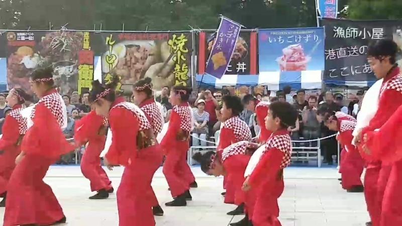 Танцы в парке Уэно 3