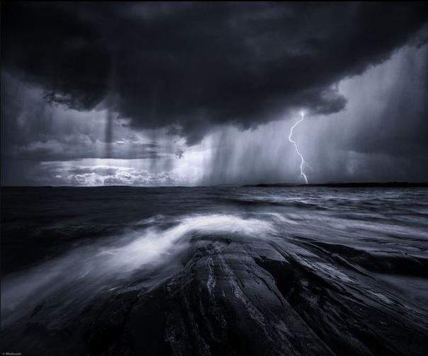Фотограф из Южной Финляндии Мика Суутари (Mia Suutari) любит создавать атмосферные пейзажные снимки. Сам фотограф говорит, что каждая его работа  это ничто иное, как передача тех эмоций, которые он испытывает в процессе съемки и очень надеется, что может