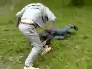 Драка гопника с борцом