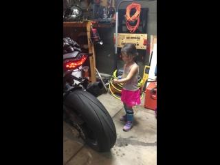 Пап, так вот для чего ты купил мотоцикл?
