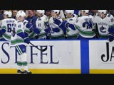 Elias Pettersson collects second five-point game in his rookie season