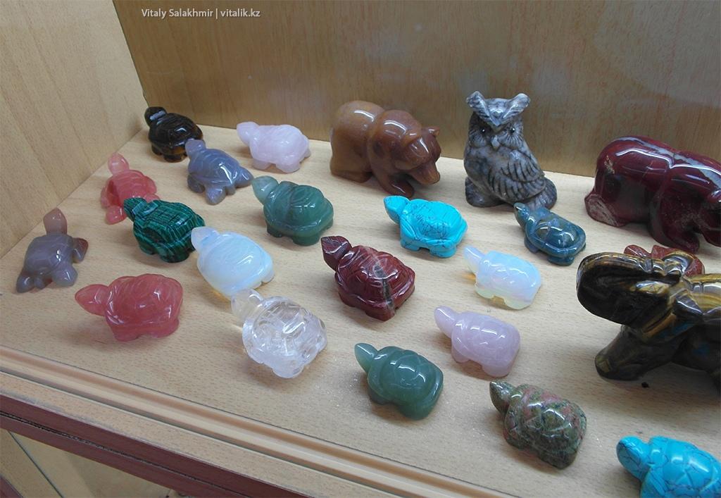 Животные из самоцветов, выставка Рух Ордо