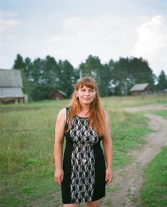 nYF2AqJdx Q - Есть девушки в русских селеньях: фоторепортаж из глубинки